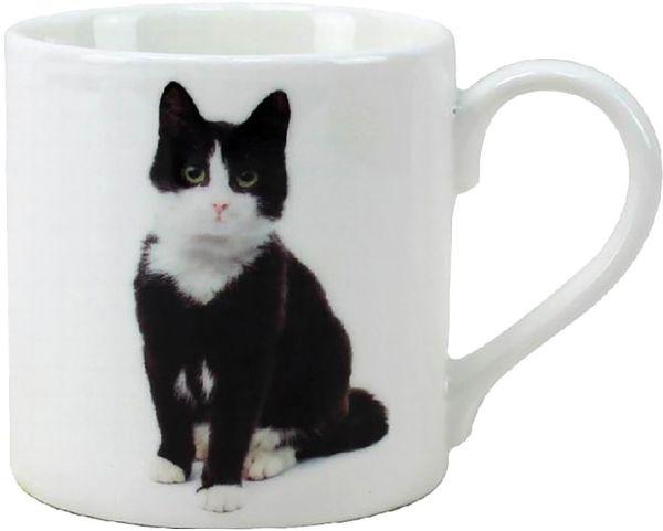 Becher Schwarz-weiße Katze, sitzend